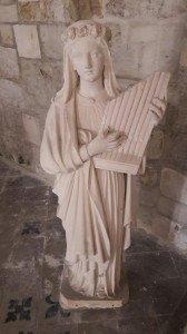 Statue - Église de Beaumont-en-Auge